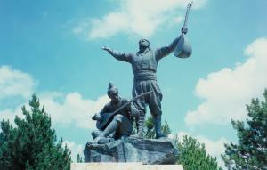 Pir Sultan statue at Çilehane hill at Hacıbektaş